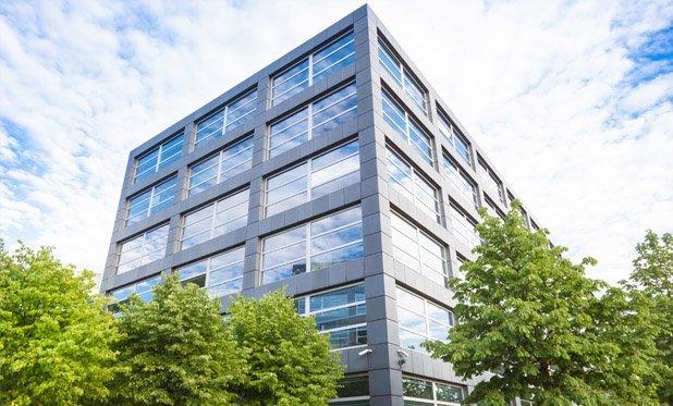 Amsterdam wil internationale bedrijven lokken met versoepelde regels voor kantoorbouw
