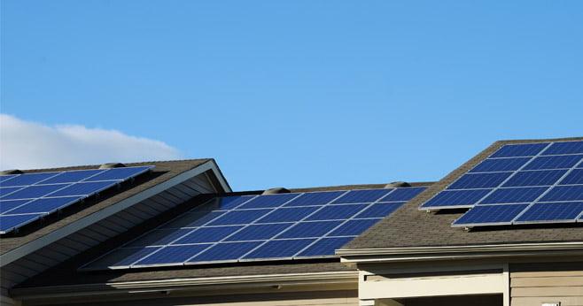 Kunnen sociale huurders straks nog zonnepanelen voor hun woning betalen
