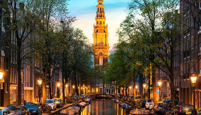 UBS De Amsterdamse vastgoed zeepbel is iets minder riskant geworden