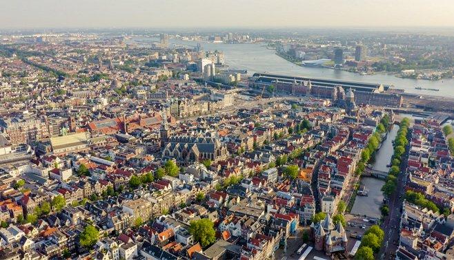 Comfortabel wonen in een glazen huis in Amsterdam