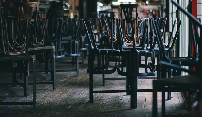 Door corona getroffen café in Den Haag krijgt huurkorting via de rechter