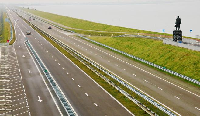 Nederland moet beter anticiperen op stijgende zeespiegel met infrastructuur plannen