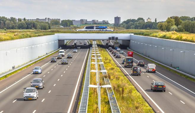 VVD Rotterdam wil onderzoek naar haalbaarheid bouwen boven de snelweg