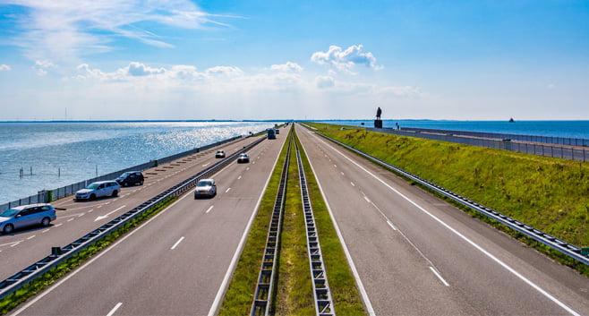 Flink hogere kosten begroot voor de versterking van de Afsluitdijk