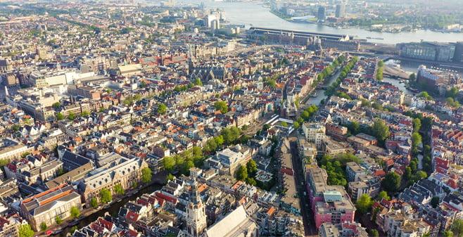 Honderden panden die investeerder Blackstone in Amsterdam kocht staan leeg